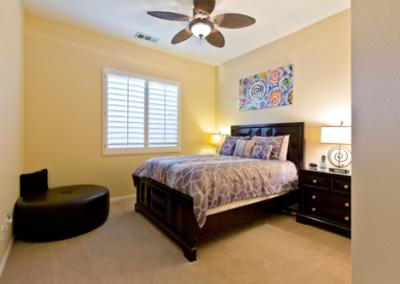 16 Room 4 Queen size