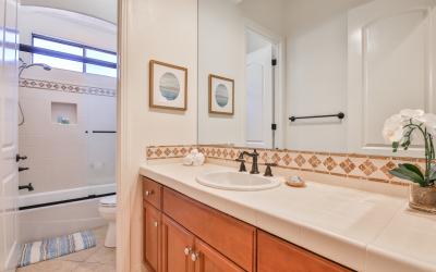 31 - Hallway Bathroom